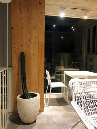 Foto 4 - Interior di Gatherinc Bistro & Bakery oleh kdsct