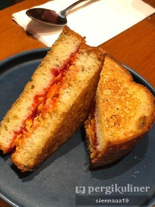 Foto 1 - Makanan(peanut butter jelly toast) di Mother Monster oleh Sienna Paramitha