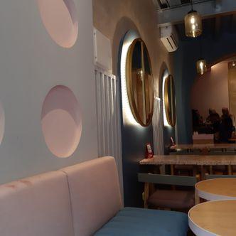 Foto Interior di Mae Coffee & Eatery