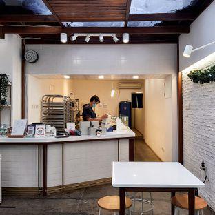Foto 3 - Interior di Doux Cookies oleh Sopuwatunnisa