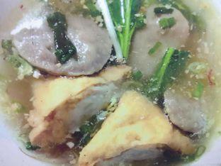 Foto 4 - Makanan(Baso Gepeng + Tahu Baso) di Bakmi Kepiting Pontianak oleh Natalia Angelina