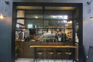 Foto 6 - Interior di Hygge Coffee oleh yudistira ishak abrar