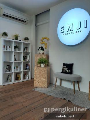 Foto 5 - Interior di Emji Coffee Bar & Space oleh MiloFooDiary | @milofoodiary