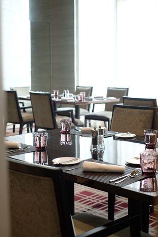 Foto 8 - Interior di Asia - The Ritz Carlton Mega Kuningan oleh Nanakoot