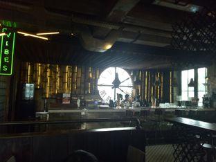 Foto 6 - Interior di H Gourmet & Vibes oleh Namira