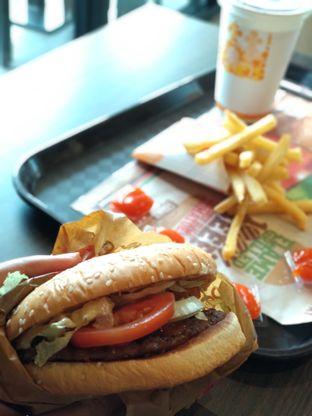 Foto 2 - Makanan(Whopper) di Burger King oleh Eunice