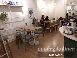 Foto 3 - Interior di Titik Koma Coffee oleh Prita Hayuning Dias