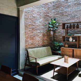 Foto 11 - Interior di Little League Coffee Bar oleh Della Ayu