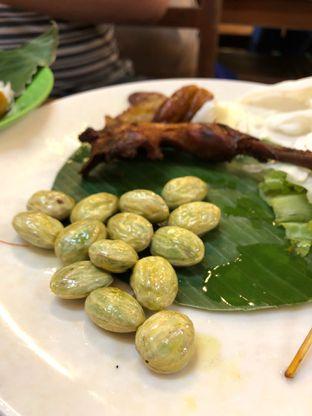 Foto 1 - Makanan di Nasi Uduk & Ayam Goreng Lahap oleh Riani Rin