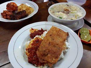 Foto 1 - Makanan di RM Pelangi oleh Calvin Herryson