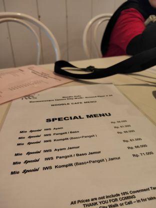 Foto review IWS Noodle & Cafe oleh Opie Quqisqu 4