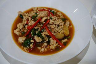 Foto 15 - Makanan(Hoisom Basil (Chicken)) di Aroi Phochana oleh Kevin Leonardi @makancengli