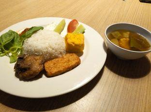 Foto 2 - Makanan di Dapoer Penyet oleh Emir Khaerul