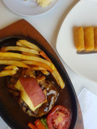 Foto 1 - Makanan di Boncafe oleh Rizky Sugianto