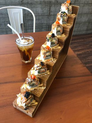 Foto 1 - Makanan di Housaku Sushi & Bento oleh @yoliechan_lie