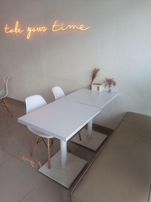 Foto 6 - Interior di Kamaie Coffee & Eatery oleh Rachmat Kartono