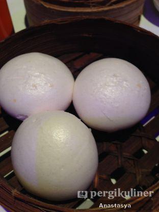 Foto 6 - Makanan(Bakpao Telur Asin) di Sense oleh Anastasya Yusuf
