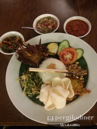 Foto 10 - Makanan(Nasi campur bebek) di Bebek Bengil oleh UrsAndNic