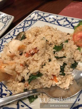 Foto 7 - Makanan di Jittlada Restaurant oleh bataLKurus