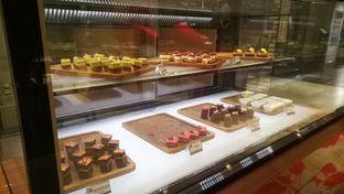 Foto 7 - Interior(pastry) di Collage - Hotel Pullman Central Park oleh maysfood journal.blogspot.com Maygreen