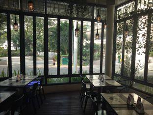 Foto 7 - Interior di De Luciole Bistro & Bar oleh Namira
