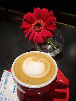 Foto 1 - Makanan(Hot Cappuccino ) di Tanamera Coffee Roastery oleh Fensi Safan