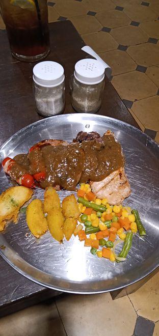 Foto 1 - Makanan di Jumbo Eatery oleh Henie Herliani