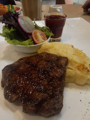 Foto 3 - Makanan di Colibri Cafe & Bakery oleh @makankudiary (by tamy)