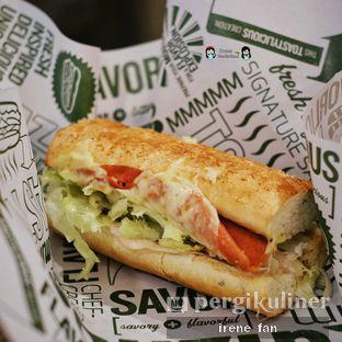 Foto 6 - Makanan(Classic Italian) di Quiznos oleh Irene Stefannie @_irenefanderland