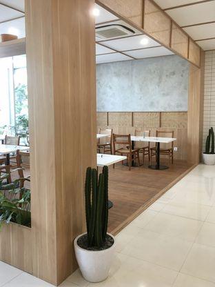 Foto 10 - Interior di Dailydose Coffee & Eatery oleh Prido ZH
