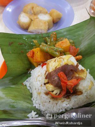 Foto 2 - Makanan di Cafetaria Mekar Jaya oleh Wiwis Rahardja