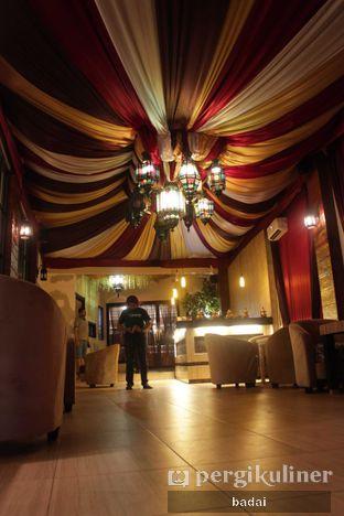 Foto 9 - Interior(bagian lorong) di Ali Baba Middle East Resto & Grill oleh Winata Arafad