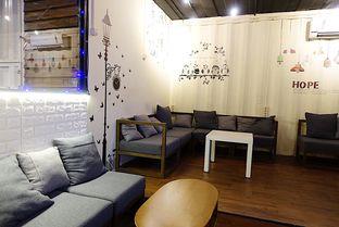 Foto 7 - Interior di Tamper Coffee oleh inggie @makandll