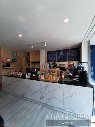 Foto 2 - Interior di Haiso Coffee oleh Selfi Tan