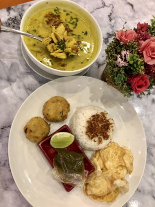 Foto 6 - Makanan di Garage Cafe oleh kdsct