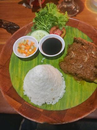 Foto 2 - Makanan(Sate Sapi Kebon Awi) di Kebon Awi Kaffee oleh Fadhlur Rohman