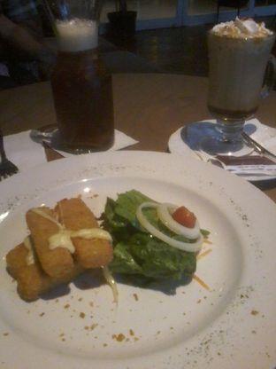 Foto 4 - Makanan(Cheese fritters) di Herb & Spice oleh Arthanis_mom