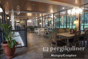 Foto 9 - Interior di The Lake House - Pesona Alam Sedayu Hotel oleh Hungry Couplee