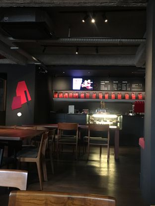 Foto 5 - Interior di Tanamera Coffee Roastery oleh RI 347 | Rihana & Ismail