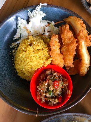 Foto 5 - Makanan(Nasi Kebuli + Fried Dory + Sambal Matah) di Rice & Cheese oleh Levina JV (IG : levina_eat )