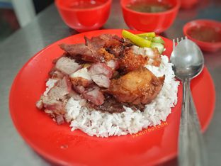 Foto - Makanan di Nasi Campur Aliong 333 oleh Stefanus Mutsu