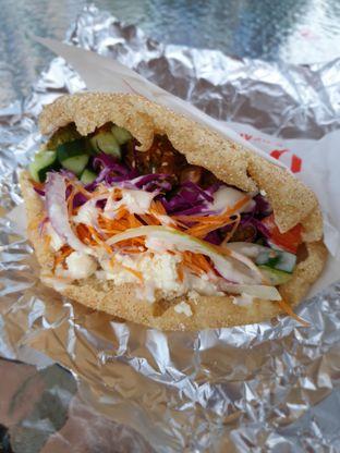 Foto 4 - Makanan(The Pita Falafel) di Berlin Doner oleh Adhy Musaad