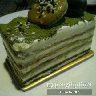 Foto 3 - Makanan(Matcha Goma Cake) di Mandarin Oriental Cake Shop - Mandarin Oriental Hotel oleh UrsAndNic