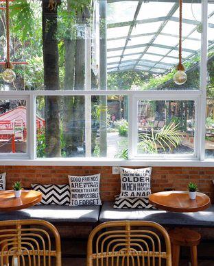 Foto 5 - Interior di Terra Coffee and Patisserie oleh yudistira ishak abrar