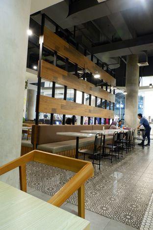 Foto 3 - Interior di Mokka Coffee Cabana oleh iqiu Rifqi