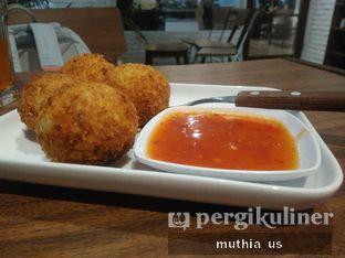Foto 3 - Makanan(Biter Ballen) di Righthands Coffee oleh Muthia US