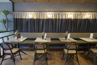 Foto 21 - Interior di Phos Coffee & Eatery oleh yudistira ishak abrar