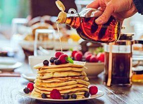 Madu vs Sirup Maple, Mana yang Lebih Cocok untuk Pancake?