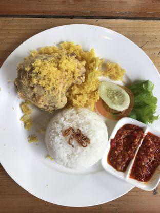 Foto 1 - Makanan(Ayam Kremes) di Foresthree oleh @stelmaris