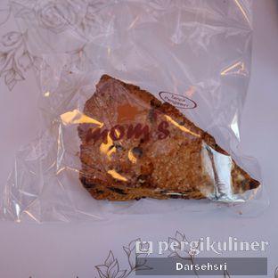 Foto 4 - Makanan di Mom's Artisan Bakery oleh Darsehsri Handayani